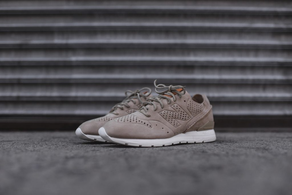 New Balance MRL696 beige sable