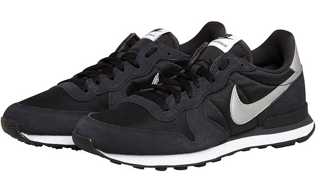 Nike internationalist noires