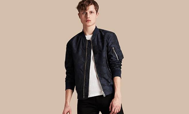 b4366fa0be5 Le bomber est la veste de l automne dans la mode homme